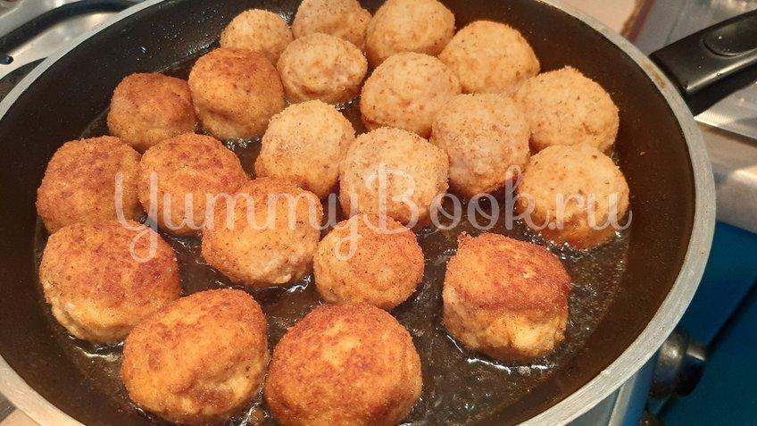 Куриные шарики с сыром Моцарелла - шаг 2