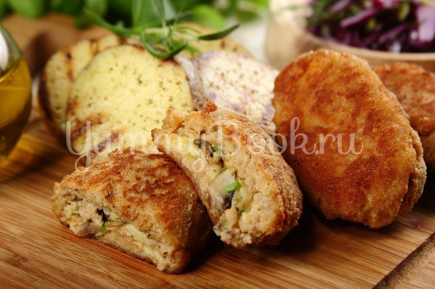 Котлеты фаршированные сыром и грибами