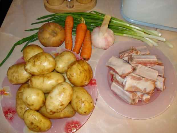 Картошка тушеная со свиными ребрышками рецепт с пошагово