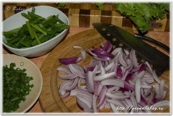 Теплый салат с куриной печенью и морскими гребешками, пошаговый рецепт с фото