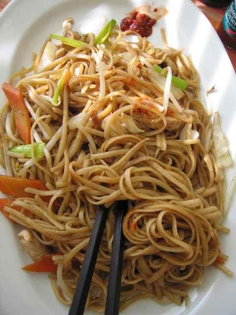 лапша рисовая с курицей и овощами в соусе терияки рецепт с фото