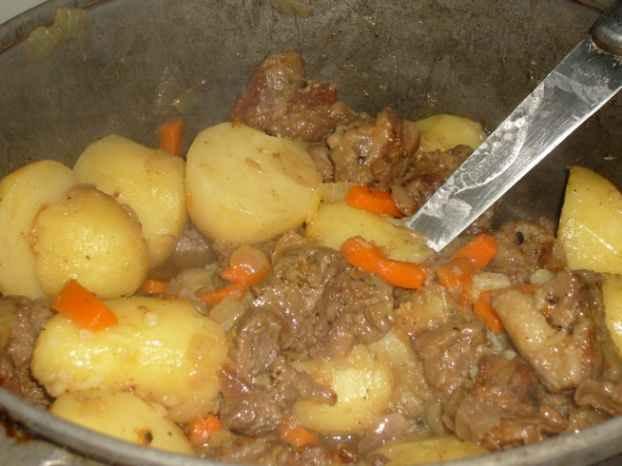 Как тушить картошку с капустой с фото